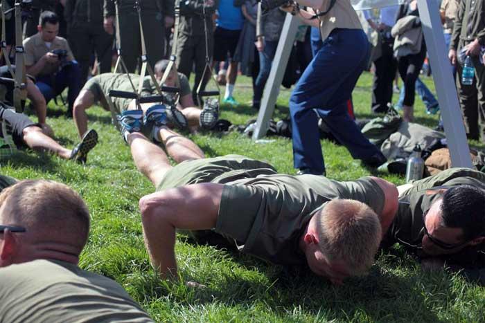 foto training push up met TRX